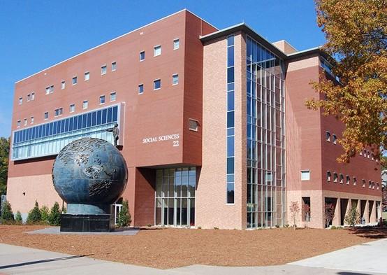 肯尼绍州立大学全景图片